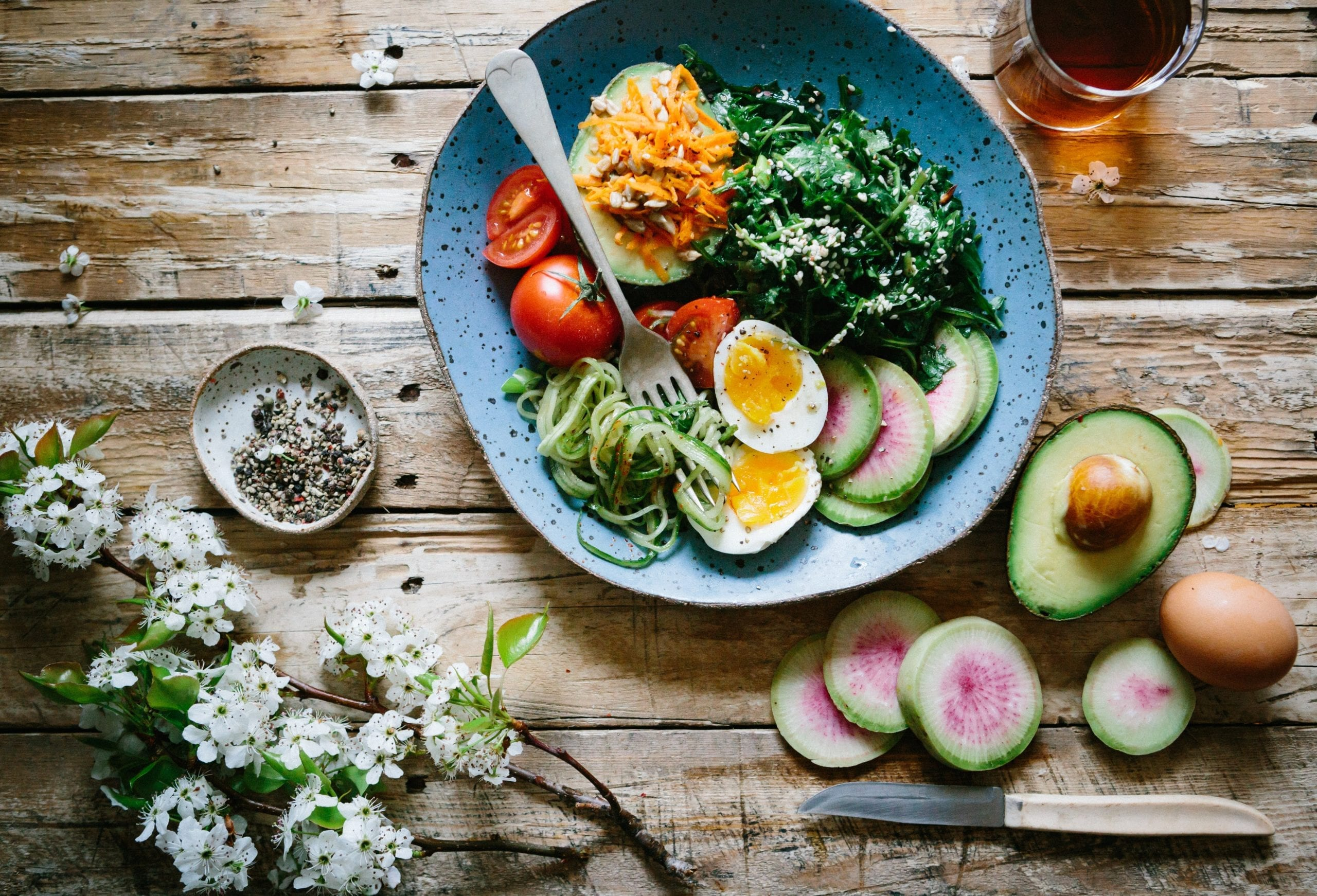 Fresh food is best to manage your mood with food